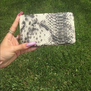 Handbags - 🙅🏻♀️SOLD OUT  Sssnake Skin Wallet 🐍